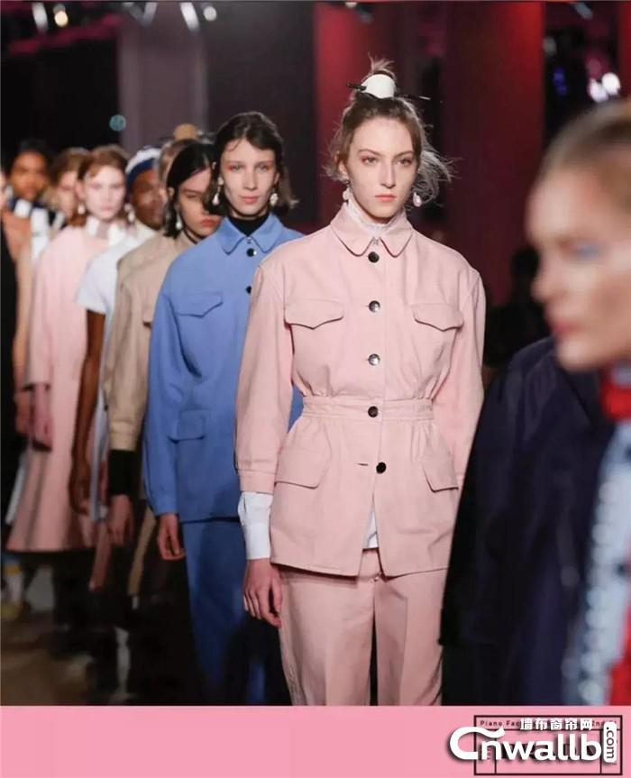 艾是邀您共赏Prada 2020早春秀,轻奢时尚,首选艾是!