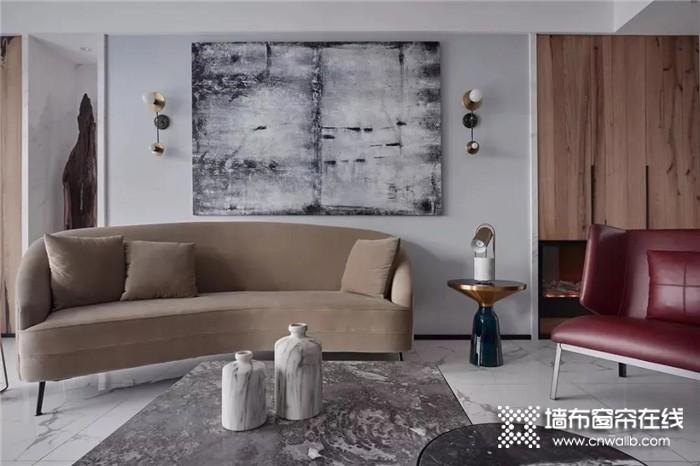 莺牌艺术墙布可以经过巧妙的墙布混搭与组合,让空间的奢华感上升到一个新的高度,打造出深受年轻人喜爱的现代家居。      YING