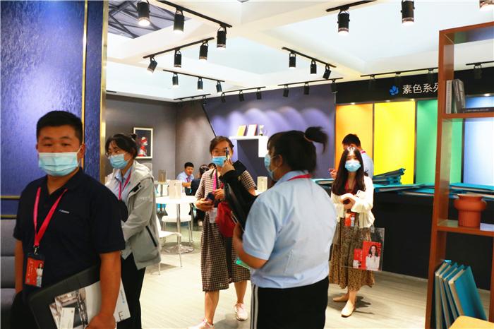 【上海墙布展】欧仕莱热忱不减,书写更璀璨的未来!