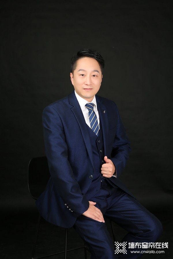 蝶装壁布陈佳鸿:努力让经销商享受产品红利