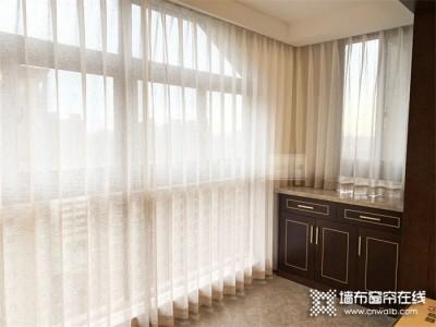 如鱼得水窗帘精品   流行色融入家居,窗帘应该怎么选?