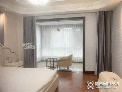 如鱼得水溢彩窗帘 | 卧室带阳台,是装推拉门还是挂窗帘?